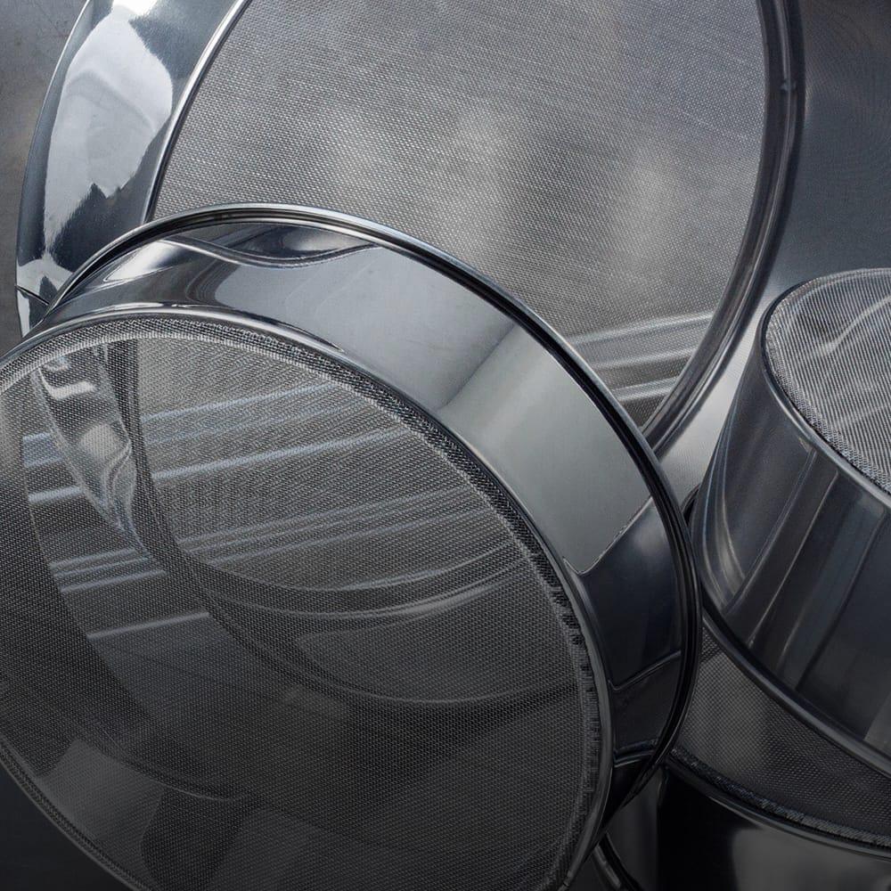 Tamis et grilles de laboratoire inox